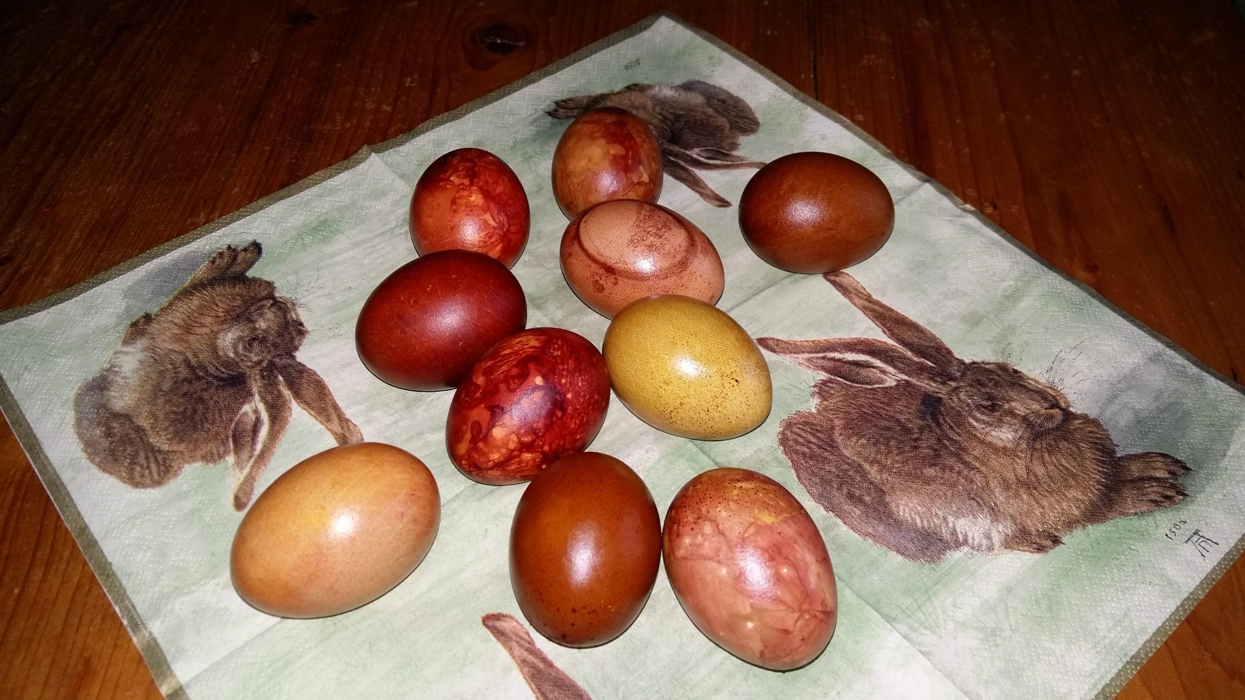 Ostereier natürlich gefärbt